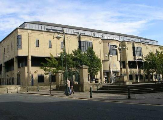 Bradford Court Escape Of Sentenced Mobile Thief Caught On CCTV