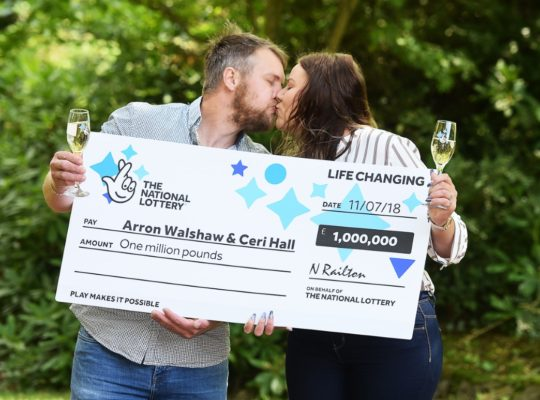 Plasterer Scoops £1m Lottery After  Shopper Let Him In Queue First