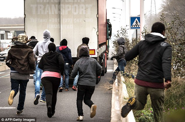 Immigration Officials Discover 17 Children In Refrigerated Lorry