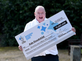 Lottery Winner Of £71k  Wants Staff For New Pool And Jecuzzi Home