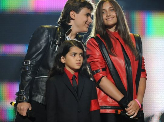 Michael Jackson's Kids Revealing Lawsuit Against Robson And Safechuck