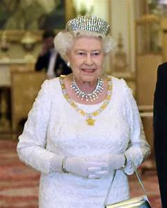 Queen Expressed Frustration About Inability Of  Politicians to Govern Competently
