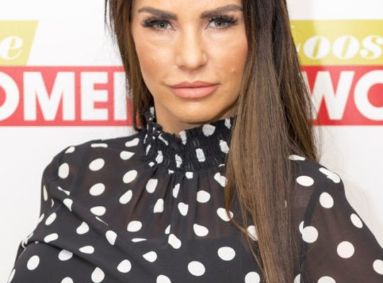 Bankrupt  Katie Price Is begging Friends For Cash Loans