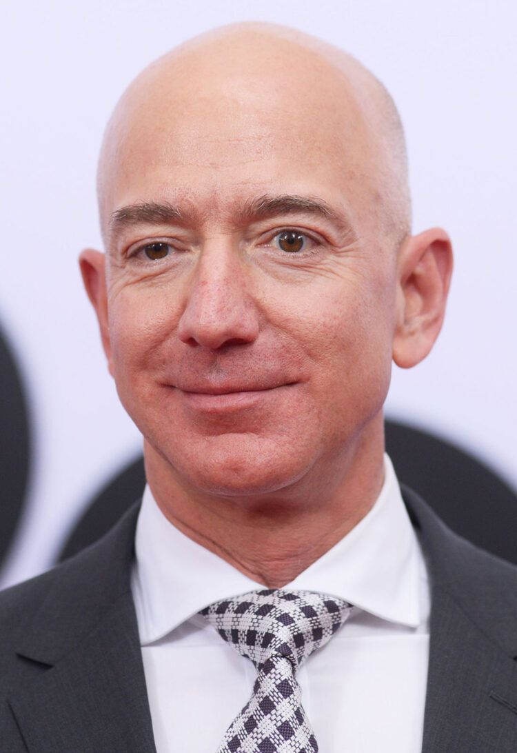 Jeff Bezos Award Of $100m To CNN Contributors Is One Of A Kind
