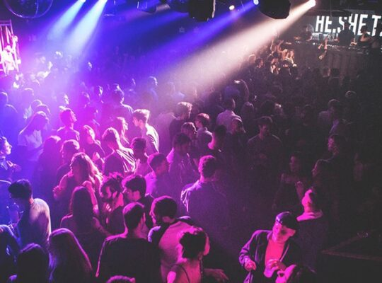 Brits Entering Nightclubs And Crowded Venues From September Must Be Double Vaccinated
